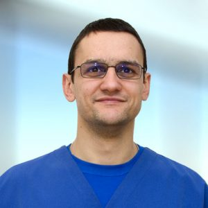 д-р Евгени Меков